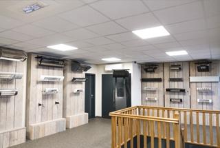 Fysieke winkel met showroom
